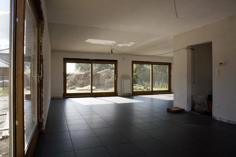 Tegelvloer Keuken Leggen : Pin De Vloer Licht Er In Ook Is De Keuken Al Een Eind Geplaatst on